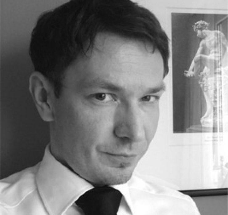 dr Tomasz Mikołajczak